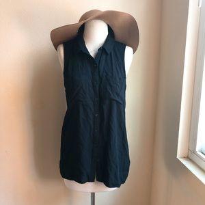 H&M sleeveless Button down Tank shirt